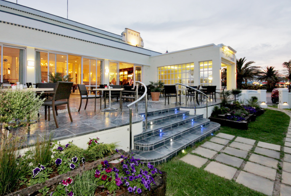 The verandah restaurant the beach hotel port elizabeth - Accomadation in port elizabeth ...